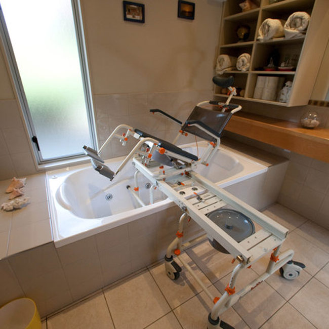 Showerbuddy TubBuddy with Tilt - Showerbuddy Bathroom Transfer Systems